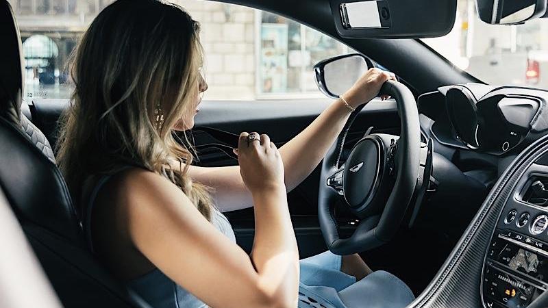 Autorijden Aston martin